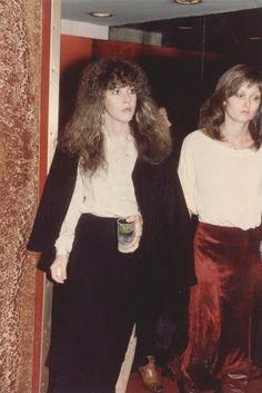 Stevie  ~ ☆♥❤♥☆ ~   with Debbie Alsbury, sister of Christie Alsbury who was Stevie's make-up artist for  from 1977 until 1989  ~    http://goldduststevie.tumblr.com/post/39308510695/whos-debbie-alsbury-signed-worst-stevie-nicks