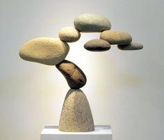 """El """"western zen"""" del californiano Woods Davy y sus exquisitas esculturas de piedras en equilibrios casi imposibles."""
