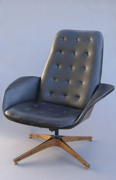 Mid-century modern lounge chair by George Mulhauser for Plycraft Co.