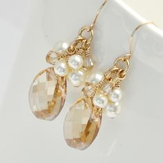 Bridesmaid Earrings, Gold Earrings. Golden Bridal Earrings. Long Crystal Earrings. Pearl Earrings. Champagne Earrings for Fall Wedding