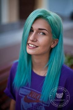 pretty turquoise hair and a tan