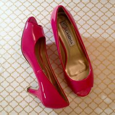 """Hot Pink Peep Toe Heels NWT RETAIL These gorgeous peep toe heels are perfect for a night out! Man made materials! Heel height is 2.5 Minor factory variations may exist on the shoe. I will post additional size specific pictures if requested. I've tried my best to provide true to color pictures, but depending on your monitor, the color may vary. 10% off all bundles!  NWT RETAIL and in box! FAST SHIPPING! I always ship ASAP. These heels have great reviews in my """"love notes"""" section. ⭐️⭐️⭐️⭐️⭐️…"""