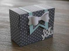 ...ist mit dem neuen Stanz- und Falzbrett für Geschenktüten entstanden. Die Anleitung dazu habe ich *hier* auf You Tube gefunden. Auch be... Gift Bag Punch Board, Envelope Punch Board, Diy Gift Box, Diy Box, Sweet Box, Paper Purse, Sachet, Scrapbook, Exploding Boxes