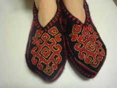 Hey, I found this really awesome Etsy listing at https://www.etsy.com/ru/listing/198492377/folkloric-rugs-patterned-black-red