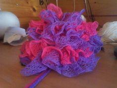 Free Crochet Ruffle Hat Pattern Crochet Baby Hat Patterns, Crochet Kids Hats, Crochet Toddler, Crochet Beanie Hat, Crochet Baby Clothes, Crochet Crafts, Yarn Crafts, Crochet Ideas, Crochet Projects