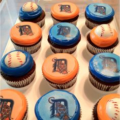 How creative! This is a perfect way to cheer for the Tigers!