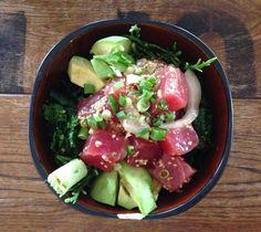 An ahi poke bowl with a kick of wasabi - a great meal in Oahu Hawaii! Hawaiian Decor, Vintage Hawaiian, Ahi Poke, Asian Street Food, Asian Recipes, Ethnic Recipes, Exotic Food, Oahu Hawaii, Poke Bowl