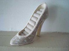 Porte bijoux en forme de chaussure : 12.50€  Tout un choix de bijoux rétro : https://bijoux-retro-vintage.com
