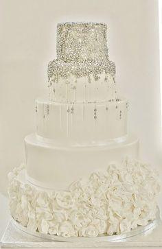 White/silver wedding cake - by Sannastartor @ CakesDecor.com - cake decorating website