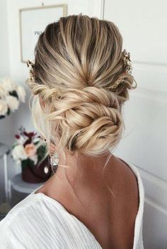 Cara Clyne Long Wedding Hairstyles and Wedding Updos Cara Clyne Lange Hochzeitsfrisuren und Hochsteckfrisuren Messy Wedding Hair, Wedding Hair And Makeup, Wedding Updo, Bridal Hair, Prom Hairstyles For Long Hair, Wedding Hairstyles For Long Hair, Bride Hairstyles, Hairstyle Ideas, Hair Ideas
