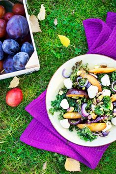 Fall salad with kale and plums // www. Vegetarian Recipes, Healthy Recipes, Healthy Food, Kale, Cobb Salad, Salads, Fall Salad, Cheese, Dining