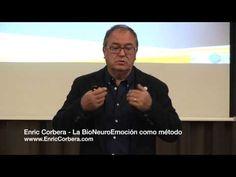 Conferencia de Enric Corbera explicando el concepto de BIOneuroemoción