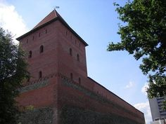 Erected in the 1330s at the order of Gedyminas, the grand duke of Lithuania, Lida Castle is relatively well-preserved and the symbol of the city.