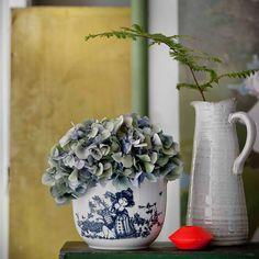 bw-flowerpot-rose-garden-blue-h-12-cm-bjørn-wiinblad