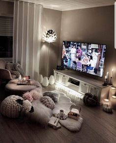 Living Rooms – The Marble Home Bedroom Decor For Teen Girls, Cute Bedroom Ideas, Cute Room Decor, Room Ideas Bedroom, Living Room Decor Cozy, Cozy Room, Home Living Room, Living Room Designs, Aesthetic Room Decor