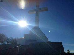 Vulto luminoso acima do Sol e na altura do braço da Cruz - Krizevac - em Medjugorje