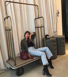 "154 likerklikk, 2 kommentarer – @lestylealafrancaise på Instagram: ""❤️Le style à la française // #frenchgirl #frenchygirl  #parisian #paris #parisienne  #celebstyle…"""