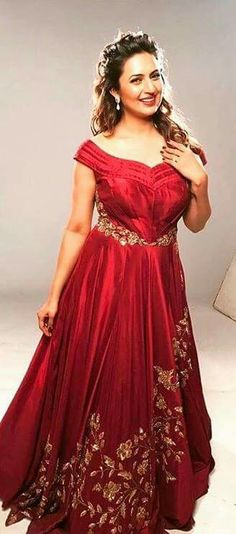 ❤ So Sweet ❤⚘DivyankaTripathi ❤⚘ Designer Gowns, Indian Designer Wear, Indian Wedding Outfits, Indian Outfits, Reception Gown, Indian Gowns, Engagement Dresses, Lahenga, Royal Red