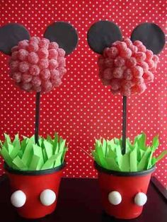 Minnie and Mickie sweet trees Mickey Mouse Food, Fiesta Mickey Mouse, Mickey Mouse Parties, Baby Mickey, Mickey Party, Pink Minnie, Theme Mickey, Mickey Mouse Birthday, Deco Disney