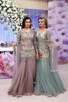 Pinterest • @KrutiChevli Pakistani Party Wear Dresses, Bridal Mehndi Dresses, Walima Dress, Pakistani Wedding Outfits, Pakistani Dress Design, Fancy Dress Design, Stylish Dress Designs, Bridal Dress Design, Beautiful Casual Dresses