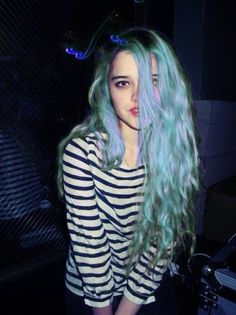 Trippy girl // blue haired beauty