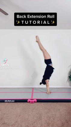 Cheerleading Workouts, Cheer Workouts, Cheer Stunts, Gym Workout Tips, Fitness Workout For Women, Gymnastics Stretches, Gymnastics Room, Gymnastics Tricks, Gymnastics Workout