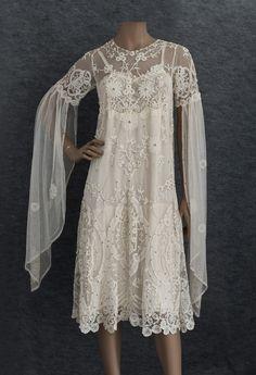 Art sleeve Deco dress