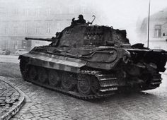 Königs-Tiger 233 in Budapest .....In October 1944 the 503 arrives in Budapest and the 2.Kompanie saved the city.
