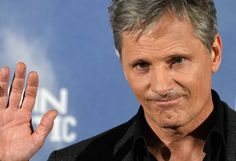 "Viggo Mortensen Photos Photos - Danish-US actor Viggo Mortensen poses during the photocall of his movie ""Captain Fantastic"" at the Hotel Urso in Madrid, on September 12, 2016. / AFP / GERARD JULIEN - 'Captain Fantastic' Madrid Photocall"