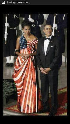 President Barack Obama & First Lady Michelle Obama. Michelle Und Barack Obama, Barack Obama Family, Michelle Obama Fashion, Black Presidents, American Presidents, American Flag, Presidents Usa, American Pride, Joe Biden