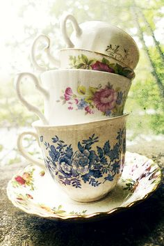 Old Fashioned Cups & Saucers