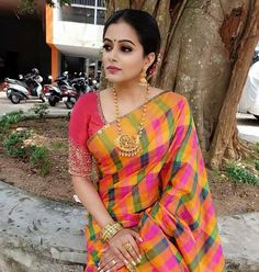 Priyamani south Indian unseen hottest gorgeous erotic cleavage queen Bollywood and tollywood with her curvy body Show. Hot and sexy Indian a.