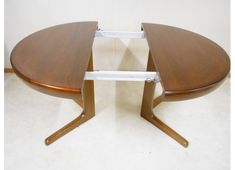 Table ronde en teck extensible Table Teck, Diy, Furniture, Home Decor, Products, Table Legs, Decoration Home, Bricolage, Room Decor