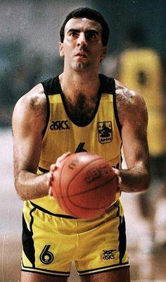 Nikos Gallis, European #Basketball Legend. European Championship winner with Greece in 1987.