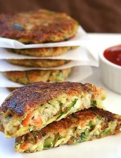 vegan Zucchini Potato Fritters Recipe - Zucchini Cutlets, a delicious and colorful mix of vegetables (Potatoes, carrots and Zucchini) with a burst of flavor from thyme. Easy to make and a tempting snack for your fussy eaters. Vegetable Recipes, Vegetarian Recipes, Healthy Recipes, Delicious Recipes, Carrot Recipes, Tasty Meals, Fodmap Recipes, Potato Recipes, Healthy Snacks