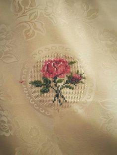 Cross Stitch Love, Cross Stitch Flowers, Cross Stitch Embroidery, Cross Stitch Patterns, Ethnic Bag, Crochet Leaves, Baby Knitting Patterns, Needlepoint, Diy And Crafts