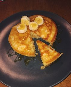 Delicious, fluffy pancakes, with syrup and banana topping American Style Pancakes, Fluffy Pancakes, Syrup, French Toast, Banana, Breakfast, Life, Food, Morning Coffee