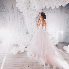 How to make an image perfect?  The first thing is to choose the best wedding dress 👉 #victoriasoprano  The second is to have the best makeup and hairdo 💎  And you are the best bride all over the world 👰#realbride #weddingdress #wedding #summerwedding #bride #weddingmood