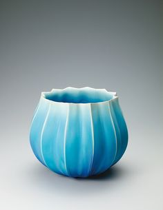 Bowl with blue glaze. by Ceramics artist, Masayuki AZUMA . Gallery Japan promotes Japan's traditional arts and crafts by providing information about artists and artworks. Shop pieces by Japanese craft artists, including Living National Treasures. Japanese Ceramics, Chinese Ceramics, Japanese Pottery, Modern Ceramics, Contemporary Ceramics, Japanese Porcelain, Traditional Japanese Art, Japanese Design, Ceramic Jars