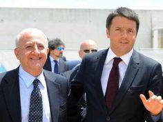 Referendum Renzi torna a Napoli per un comizio. De Magistris polemico: Ormai è ovunque per il Sì