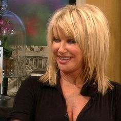 best ideas about Suzanne somers Haircuts For Medium Hair, Blonde Haircuts, Medium Hair Cuts, Medium Hair Styles, Short Hair Styles, Beautiful Haircuts, Beautiful Long Hair, Gorgeous Hair, Beautiful Women