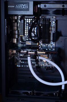 http://www.xtremesystems.org/forums/showthread.php?233842-Liquid-Cooling-Case-Gallery/page224