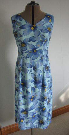 Summer dress made from Style 2824 - a very old pattern and a very old fabric from my stash :D