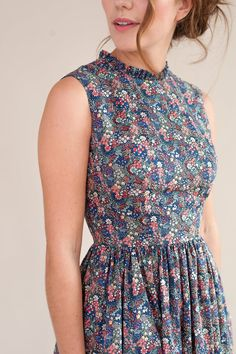 Midi floral dress with ruffled neckline - Midi length floral dress The Effective Pictures We Offer You About aesthetic outfits A quality pic - Sewing Clothes Women, Clothes For Women, Modest Fashion, Fashion Dresses, Floral Midi Dress, Floral Dresses, Sleeveless Dresses, Floral Chiffon, Chiffon Dress