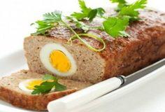 Мясной рулет с начинкой из яиц