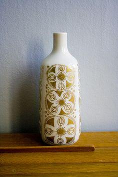 Vintage Porsgrund vase - could recreate with gold sharpie maybe?