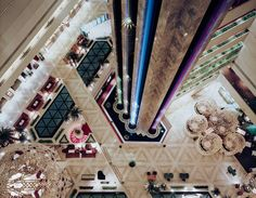 architecture photography by Christophe Morlinghaus. This is the Sheraton Hotel lobby in Doha, Qatar.
