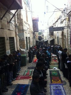 israelis wont allow palestinians to enter al aqsa mosque so they have to pray outside