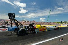Spencer Massy & Crew in the Sandvik T/F Dragster at The New England Nationals
