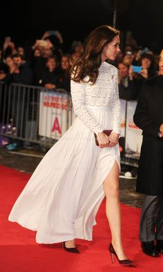 """Mark Stewart on Twitter: """"Leggy Duchess of Cambridge at tonights premiere @StreetCatBob in London in aid of @ActionAddiction"""
